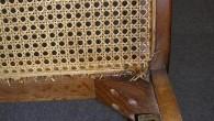 飛騨産業の25年位前の椅子ですが、しっかりと四隅には木が止まってます。特に後ろの隅木は太くて2本ずつ木ビスで止まってます。前の隅木は1本ずつです。このようにしっかりとした木材でがっちりと組み付けをしてますと […]