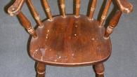 25年以上前の椅子ですが、ブナの木はしっかりしてます。いい椅子ですね~お孫さん用に使用されるみたいです。¥17.850  飛騨の家具